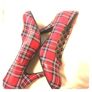 Red plaid heels. Only worn once!